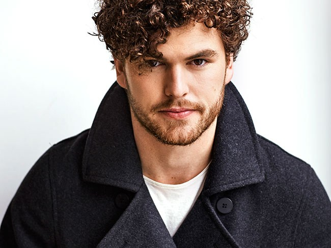 Vance Joy earned a  million dollar salary, leaving the net worth at 1 million in 2017