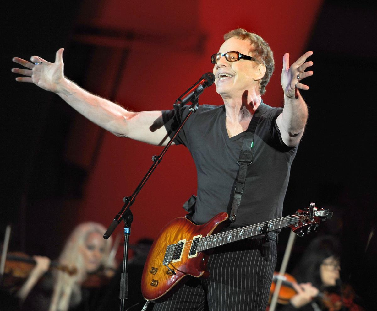 Danny Elfman Performs Oingo Boingos Dead Mans Party After 20 Years